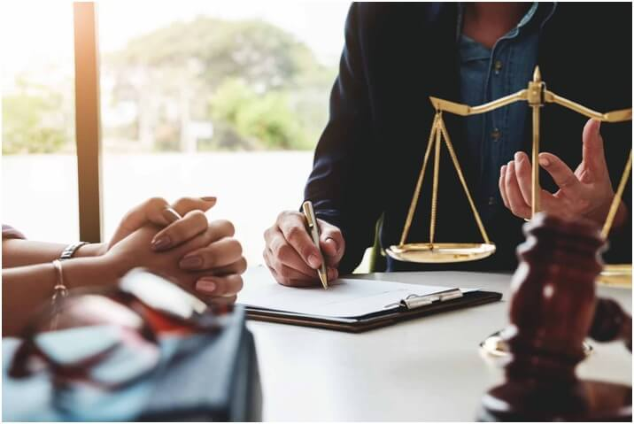 Importance of Getting In Touch With A Tax Attorney